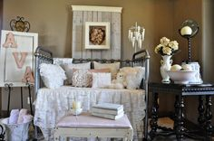 A really nice shabby chic sort of room for a girl.  Love the way it is decorated.
