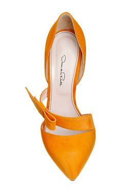 Women's Fashion High Heels : Fauna Tangerine Bow Pump by Oscar de la Renta for Preorder on Moda Operandi Zapatos Shoes, Women's Shoes, Me Too Shoes, Shoe Boots, Sock Shoes, Shoes Sneakers, Flat Shoes, Heel Pumps, Stilettos