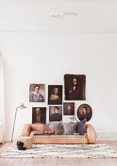 As you know I love portrait walls, and I'm thrilled to find these amazing galleries.  I'm a huge fan of oil paintings as well, I love anything deep, dark and shiny, so these are pretty much nirvana for me.  The top and bottom are from the amazing lifestyle photographer Nicole Franzen (adore everything she does!), …