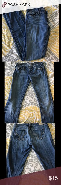 Hollister skinny jeans Cute jeans, short/court. In great condition, just too short on me :) Hollister Jeans Skinny