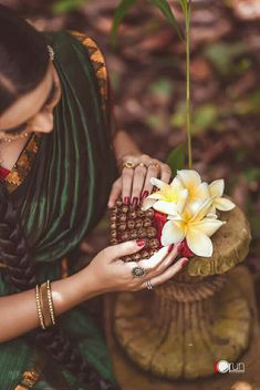 Mehendi Photography, Muslim Couple Photography, Indian Wedding Photography, Conceptual Photography, Girl Photography Poses, Nature Photography, Wedding Girl, Party Wedding, Engagement Dress For Bride