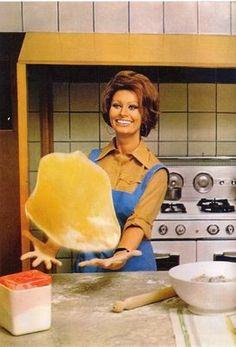 Receta de Vitel Toné del libro de cocina de Sophia Loren... y secretos sobre su pertenencia a los Porno Capperi, la logia de adoradores de la alcaparra.