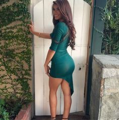 Hot girls in skin-tight dresses. Tight Dresses, Sexy Dresses, Nice Dresses, Short Dresses, Hot Dress, Dress Skirt, Bodycon Dress, Wrap Dress, Hot Girls