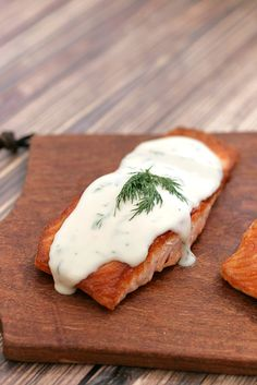 Seared Salmon with Creamy Dill Sauce #salmon #realfood #creamsauce