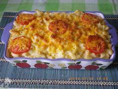 Hozzávalók:25 dkg rövid csőtészta4 dl tej4 dkg margarin2 ek liszt1 kanálnyi mustár20 dkg cheddar sajt1 nagy paradicsomsóborsElkészítése:A tésztát...