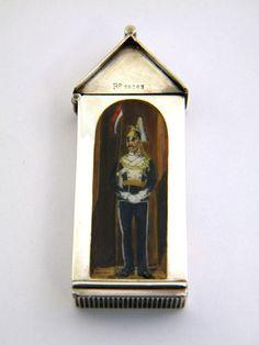 OnlineGalleries.com - VICTORIAN SILVER & ENAMEL VESTA CASE 1886 SAMPSON MORDAN 17th LANCERS MILITARY