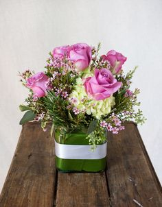 HEPATICA everyday arrangement (roses, hydrangea, wax flower, rosemary) – photo: QUARTER design studio