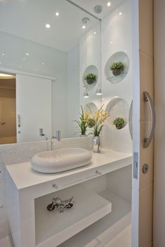 Trendy ideas for toilet sliding door design Bathroom Design Small, Bathroom Layout, Bathroom Interior, Contemporary Bathrooms, Modern Bathroom, Ideas Baños, Washbasin Design, Sliding Door Design, Beautiful Bathrooms