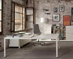 Minimal and Elegant Executive Office Environments | http://www.designrulz.com/spaces-for-living/office/2011/12/minimal-and-elegant-executive-office-environments/