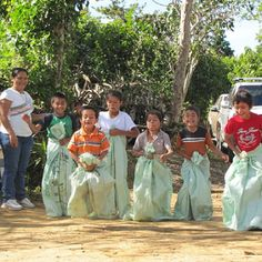 #FabFactFriday The owners of the El Salvador Monte Sion Estate (our Coffee of the Month), the Urrutia family, are dedicated to providing education and recreation for their coffee workers, and have even been recognised by UNICEF for their efforts!  (Photo credit: Monte Sion Estate)  #coffeeiseducational #COTM #CoffeeOfTheMonth #elsalvador #montesionestate #volcanic #CordilleraDeApaneca #panorama #wafflemountain #FreshCoffee #coffee #caffeine #coffeeaddict #coffeelovers #freshlyroasted…