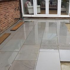 Mint Smooth Sawn & Honed Mixed Size Patio Packs - inc VAT & FREE Nationwide Delivery - Cheshire Sandstone Grey Paving, Sandstone Paving, Concrete Paving, Paving Stones, House Extension Plans, Extension Ideas, Pool House Designs, Patio Slabs, Galley Kitchens