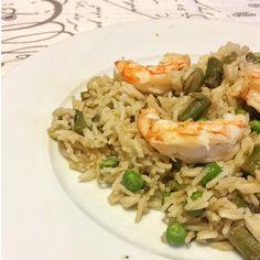 Una ricetta multietnica, un piatto unico a base di riso basmati, gamberi e verdure di stagione.