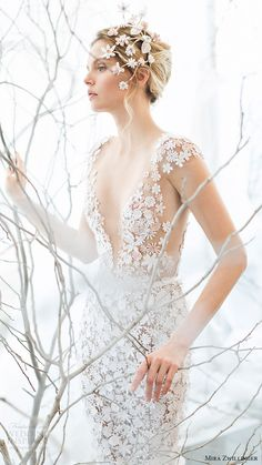 "Inherently delicate with a taste of feminine charm, the wedding dresses in Mira Zwillinger Spring 2017 Bridal Collection ""Whispher Of Blossom"" are stunning. Beautiful Bridesmaid Dresses, Bridal Dresses, Wedding Gowns, Lace Wedding, Bridal Collection, Dress Collection, Wedding Ideias, Wedding Hairstyles Tutorial, 2017 Bridal"