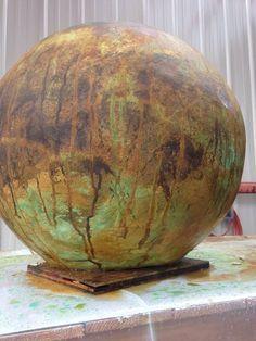 How to Make Concrete Garden Spheres large-concrete-sphere. Large Concrete Planters, Concrete Bowl, Concrete Molds, Concrete Stepping Stones, Concrete Crafts, Concrete Lamp, Concrete Projects, Concrete Garden, Wall Planters