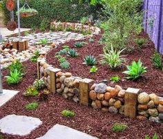 Decoração de Interiores e Paisagismo: Jardim com troncos