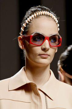 8b5b7acb25f2 Farfetch. The World Through Fashion. Fendi GlassesEye ...
