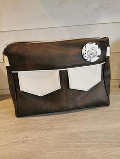Besace Zip-Zip en simili cuir et blanc cousue par Anita - Patron Sacôtin