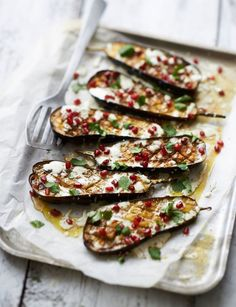 Roasted Eggplant (Aubergine) With Tahini & Pomegranate is a beautiful gourmet dish which marries jewel-like pomegranate seeds with the black skin of the eggplants. Vegetarian Recipes, Cooking Recipes, Healthy Recipes, Delicious Recipes, Tofu Recipes, Cooking Tips, Comida Armenia, Quinoa, Mezze