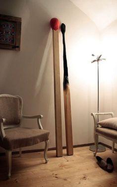 Easy Home Decor Lustik Giant Matches - Tommaso Guerra.Easy Home Decor Lustik Giant Matches - Tommaso Guerra. Easy Woodworking Projects, Wood Projects, Woodworking Plans, Diy Furniture, Furniture Design, Objet Deco Design, Bois Diy, Interior Architecture, Interior Design