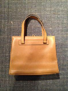 """Stuffle Das Mal: """"Gebrauchte Vintagehandtasche der Edelmarke Goldpfeil. Abholung oder gegen Versandkosten auch Versand."""""""