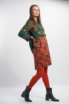 Luotsi Shirt - Green :: Vuurran.fi Seventh Wave, Collar Shirts, Black Fabric, Fabric Patterns, Woven Fabric, Shirt Style, High Neck Dress, Elegant, Formal