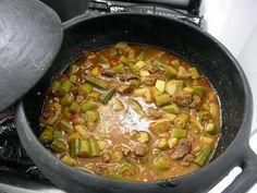 Culinária e Receitas de Comida Regional     A culinária  da Bahia tem sua origem na influência das culinárias portuguesa, indígena...