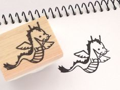 Etsy のDragon rubber stamp, Kawaii Baby shower, Rubber Stamp, Gift tag idea, Birthday invitations, Kawaii animal stamp, Custom stamp, Green dragon(ショップ名:JapaneseRubberStamps)