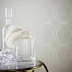 Savoy is a classic geometric design with interlinked circles with a pearlescent background giving the design a shimmer and shine that adds real intrigue and value to the paper. A great easy to live with design that will certainly add some interest to your home.