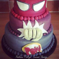 Superman, hulk, batman cake