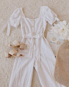 There are 4 tips to buy jumpsuit, shoes, bag, jewels. Girls Fashion Clothes, Teen Fashion Outfits, Retro Outfits, Girly Outfits, Cute Casual Outfits, Korean Outfits, Cute Fashion, Look Fashion, Outfits For Teens