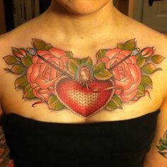 I really want to get something like this, but with traditional style roses. Love this so so much.