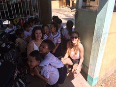 Bezoek aan een basisschool op het platteland buiten Can Tho.