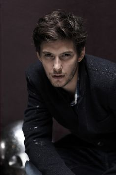 Ben Barnes.....looking ultra-cool in black