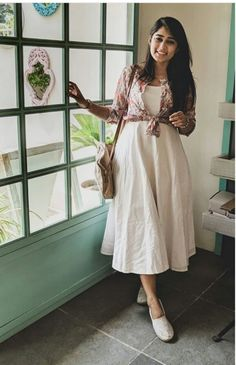 Related posts:Short dress and purseAn amazing light blue blazer and jeansSophisticated hair idea Frock Fashion, Skirt Fashion, Fashion Dresses, Fashion Quiz, Fashion Drug, Fashion 2018, Modest Fashion, Indian Designer Outfits, Indian Outfits