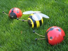 Bowling ball bugs!  I wonder if husband would get upset if I turned his into a lawn ornament...would he even know?