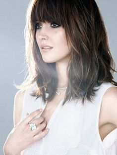 Straight across fringe lob with shaggy light layering throughout #avedaibw
