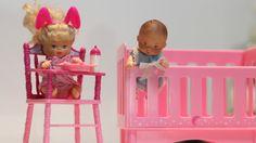 Brincando de Barbie. Por Bia Lobo.