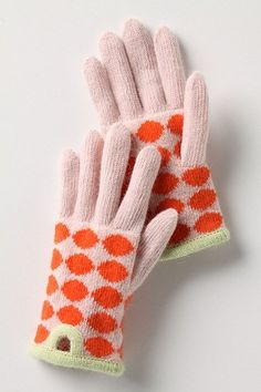 polka dot gloves | More stripes, polka dots and pom poms here: http://mylusciouslife.com/colour-textiles-stripes-polka-dots-pom-poms/