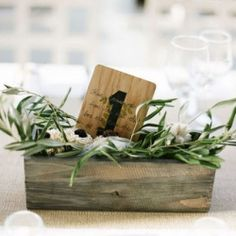 Olive leaves make a simple but beautiful wedding Mediterranean detail
