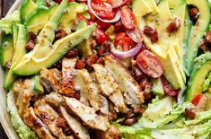 Honey Mustard Chicken, Avocado + Bacon Salad, with a crazy good Honey Mustard dressing withOUT mayonnaise or yogurt! And only 5 ingredients! Avocado Salad Recipes, Bacon Avocado, Bacon Salad, Avocado Chicken Salad, Chicken Salad Recipes, Avocado Cafe, Avocado Toast, Creamy Honey Mustard Chicken, Honey Mustard Dressing
