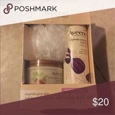 Body wash set Aveeno gift set comes with coco & shea butter moisturizer, fig & shea butter body wash & a pouf Other