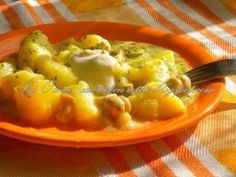 Tocanita de cartofi cu ciuperci Romanian Food, Romanian Recipes, Stew, Macaroni And Cheese, Food And Drink, Cooking Recipes, Chicken, Meat, Breakfast