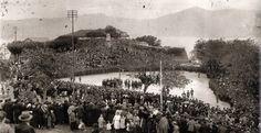 Campo de Granada (actual Plaza del Rey) en 1925 con la muralla completa (siglo XVI) del Castillo de San Sebastián.