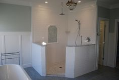 I love this open shower. No shower curtain or glass door to clean. I want!