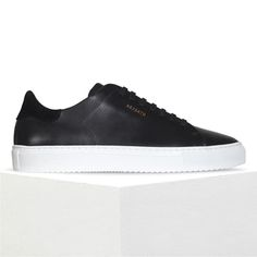 big sale fc6e9 2f3fc AXEL ARIGATO - Shop sneakers, ready-to-wear and accessories for women   men.