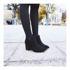 1 paire 2 paires 3 paires de bottines  La boots Cally se décline en plusieurs coloris pour votre plus grand plaisir :D #Eclipse_shoes #fashionbrand #onlineshop #shopping #shoes #fashionblogging #fashionblogger #love #vsco #filmphotography #filmcommunity #girl #style #stylish #lifestyle #kodakmoment #shoesoftheday #instagood #instadaily #shooting #fall #winter #collection #paris #boots #bottines #fashionnable #ootd
