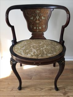 Italian chair with nice marquetry