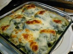 Ispanak yapraklarına sarılmış patates, kırmızı mercimek ve soğan karış… A very delicious and different recipe where potato, red lentil and onion mixture wrapped in spinach leaves is baked in the oven with bechamel sauce. Turkish Recipes, Ethnic Recipes, Vegetarian Recipes, Cooking Recipes, Different Recipes, Potato Recipes, Casserole Recipes, Lentils, Love Food