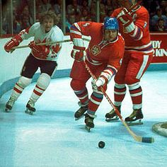 Canada Cup 76' Bobby Clarke on the forecheck