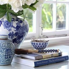 Blue and White Cushion Collection - Hamptons Style - DIY Decorator Modern Farmhouse Lighting, Modern Farmhouse Style, British Colonial Style, Winter Table, Blue And White China, Furniture Arrangement, White Houses, White Decor, Home Decor Styles